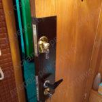 Усиление деревянной двери