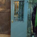 Врезка стеклопакета с кованой решеткой в Мытищах