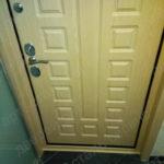 После установки доборов и наличников на входную дверь на Тверской