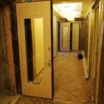 Установка панелей с зеркалом у метро водный стадион