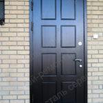 Изготовление и монтаж панели МДФ со шпоном дуба и наличников на уличную входную дверь в городе Королев